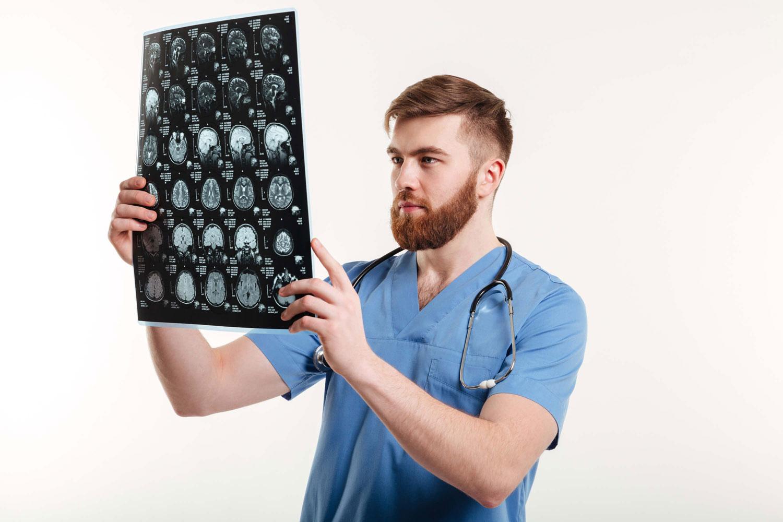 Peritos Neurólogos